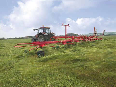 Bogserad rotorvändare med transportvagnslösning